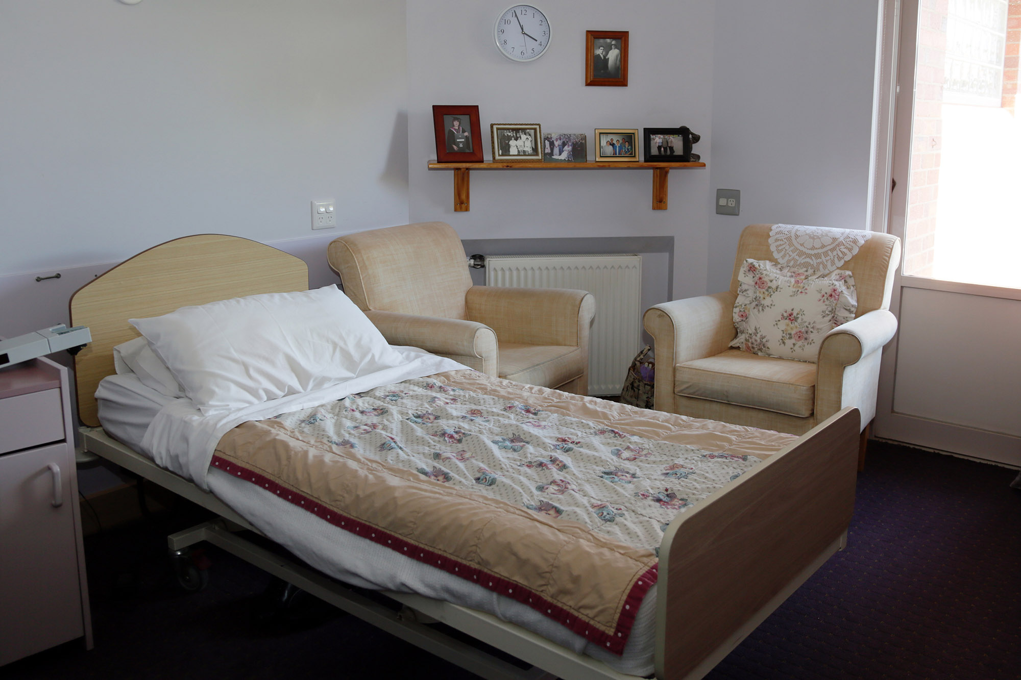our-services-macpherson-smith-residential-care-single-bedroom-female-resident